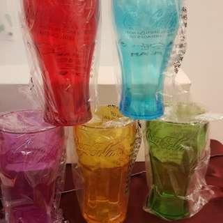 Coca Cola 膠杯一套五隻不同顏色 全新