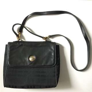 PLOVED: Authentic Vintage Burberry Two Way Bag