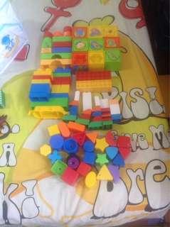 Whole Lot of Blocks / Shape Sorter