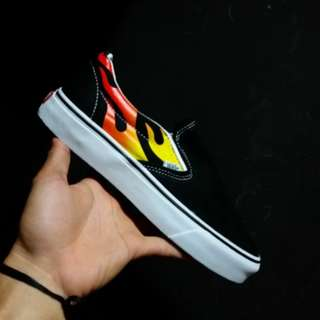 VANS SLIP ON FLAME 🔥