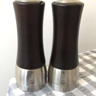 "Peugeot ""Madras"" Salt & Pepper Mills - LIKE NEW"