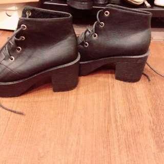 🚚 粗根靴