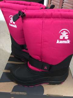Brand New Kamik Snow Boots in Rose (US size 5 Eur 37)