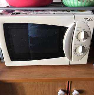 Microwave Oven (Whirlpool)