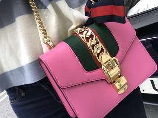 Gucci Sylvie leather mini chain bag - Pink