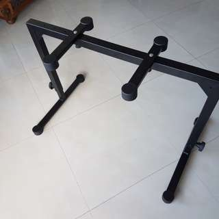 Strong Keyboard Stand K&M