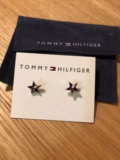 95%new Tommy Hilfiger 星型頸鍊連耳環