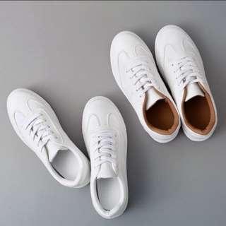 (INSTOCKS) Minimalist Basic White Shoes! (EUR Size 36-39l