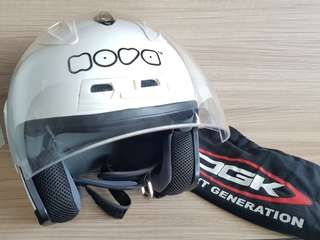 NOVA Helmet R606W