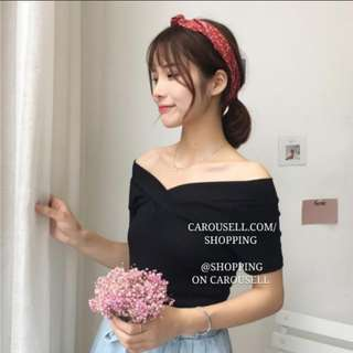 (INSTOCKS) (2 Colours) Sweet heart black off shoulder top!