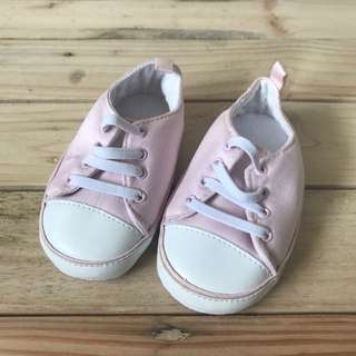 Old Navy soft crib shoes