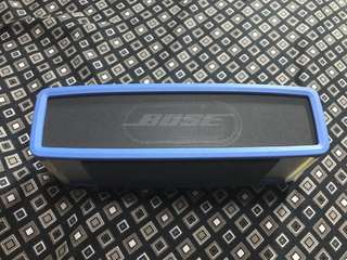 Bose soundlink mini1 with casing
