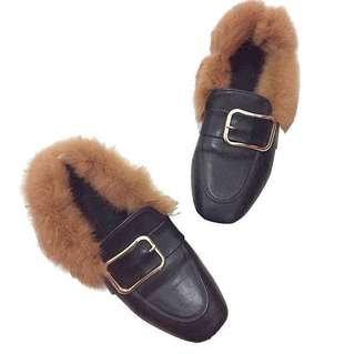 Gucci inspired loafers with fur/goal chain