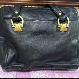 Osaka Yume Handbag  高貴手挽軟皮袋 原價要400…… size:32×23cm(買給媽媽生日禮物 媽媽不鍾意😅😅)
