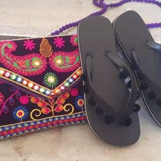 Pom Pom Beach Flip Flop - Black Size 11