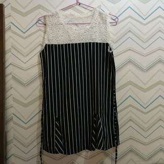 Blouse (black and white color)