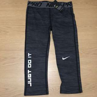 Nike Dri-Fit Compression Capri Tights (Medium) - Unisex