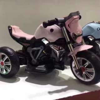 Pink Big Bike 3 Wheels Rechargeable Motorcycle