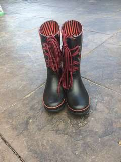 Hunter boots- shorter style size 9