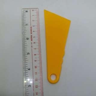 上膠片 塗膠片 粘合皮革 專用 手工 DIY 皮革工具 刮膠板 上膠水 黃色 塑料膠板 刮玻璃 汽車