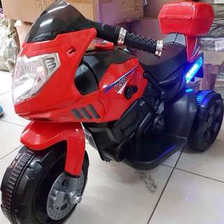 Red 750 Big Bike Rechargeable Motorcycle Toy