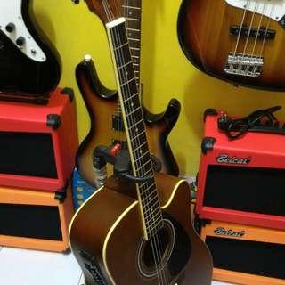 Gitar cort akuatik elektrik