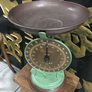 Vintage Weighting scale