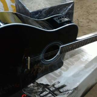 Gitar accustik elektrik tuner