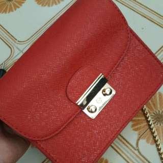 red sling bag (mini)