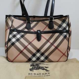 VGC Burberry Nova tote comes with card and dust bag (37×15×30cm)-fn