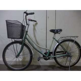 Excellent condition lady bike bicycle with bell large basket new tyres
