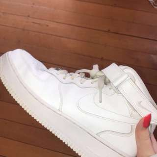 Nike Air Force Ones (mid)