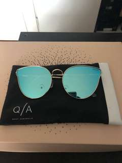 Quay Mirrored Sunglasses - Rose Gold