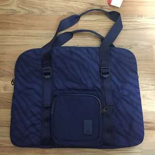 Adidas gym shoulder laptop bag