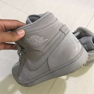 Air jordan retro wolfgrey