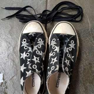 Converse Black White Stars