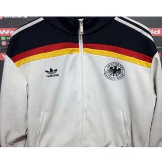 A01 - Tracktop adidas Germany