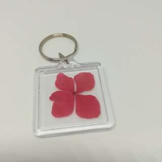 Red real flower keychain