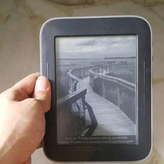 Nook Simple Touch With Glow light (Cannot Be Turned On, E Ink Screen Is Fine)