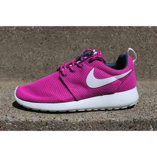 Nike Roshe Run - CLUB PINK
