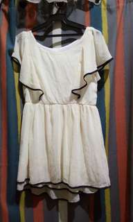 Dress biege color slightly used