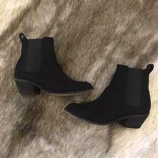 Lipstik Boots Size 7