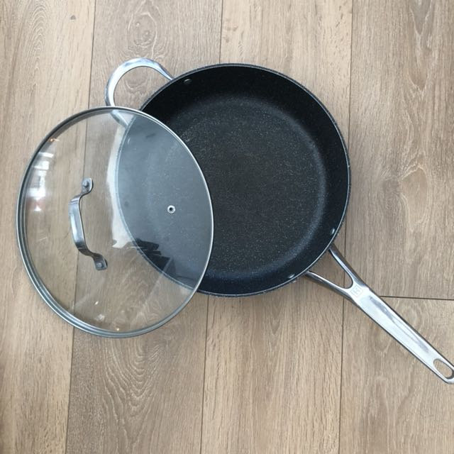 "12"" The Rock frying pan"