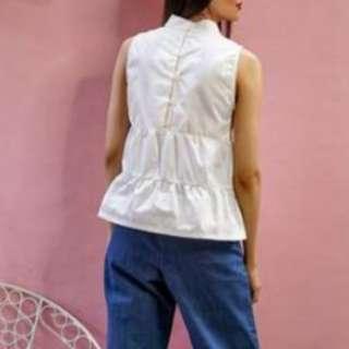 Tiered sleeveless top