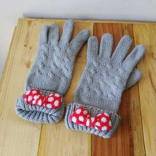 Minnie Mouse Knitted Gloves