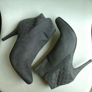 Sepatu Boots Pendek