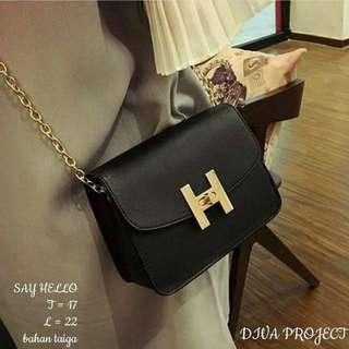 Say Hello slingbag