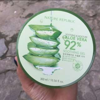 Nature republic  aloe vera 92% shooting gel