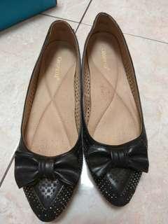 Preloved Sepatu Gioretti size 41