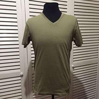 Uniqlo V-Neck Shirt